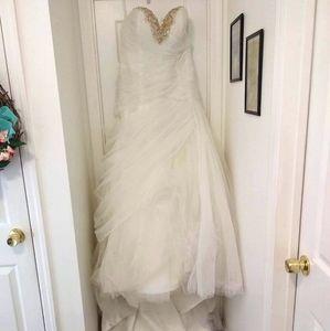 Disney Jasmine size 16 wedding dress